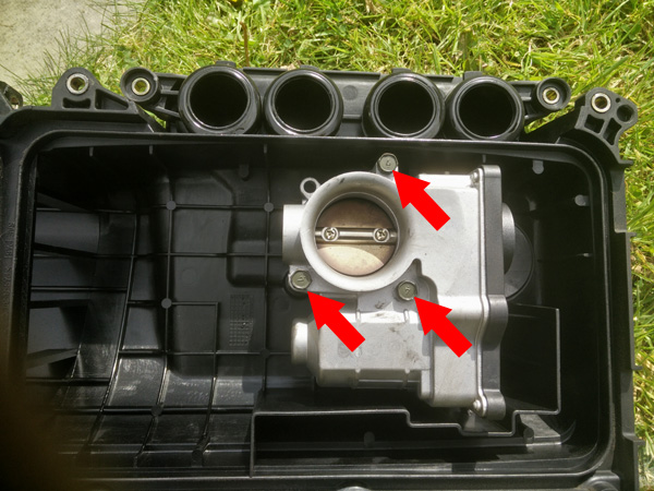 Nissan Micra K12 Throttle Body Removal and Clean